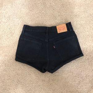 Black Levi's shorts!